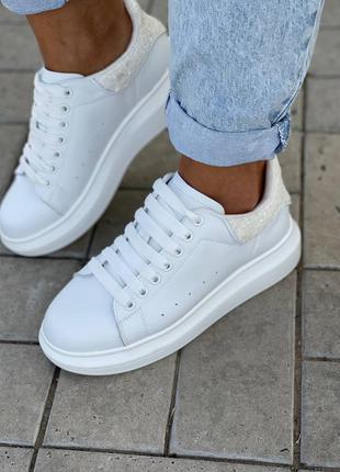 Кроссовки женские белые кожаные маквин
