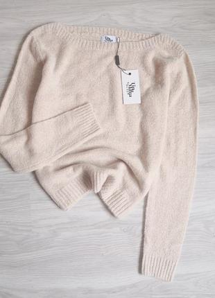 Мягкий бежевый свитер база