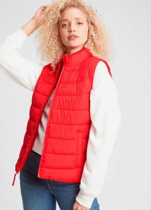 Женская теплая жилетка безрукавка gap, размер s. оригинал