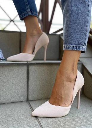 Рр 36-41.бежевые туфли на каблуке