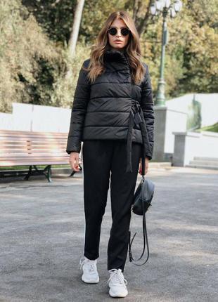 Чёрная осенняя куртка