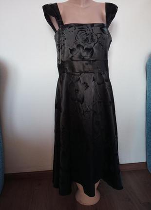 Платье атласное в бархатные цветы