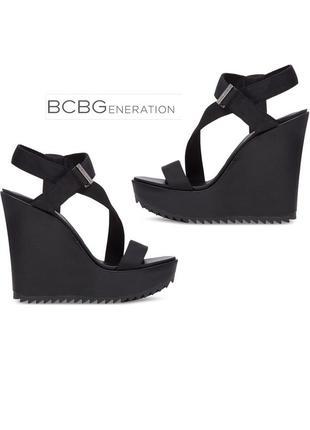 Bcbgeneration оригинал стильные босоножки на высокой танкетке и платформе бренд из сша