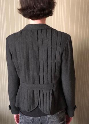 Стильный приталенный пиджак, твидовый жакет на осень.