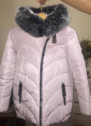 Продам женскую зимнюю куртку размер l