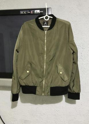 Бомбер куртка ветровка утеплённая хаки