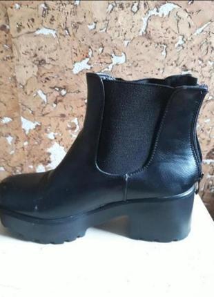 Жіночі черевики 37 розмір