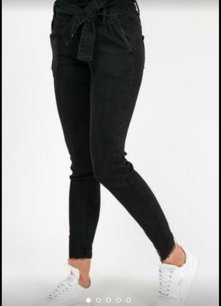 Крутые новые джинсы мом