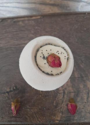 Бомбочка для ванни, трояндова бомбочка з праліне
