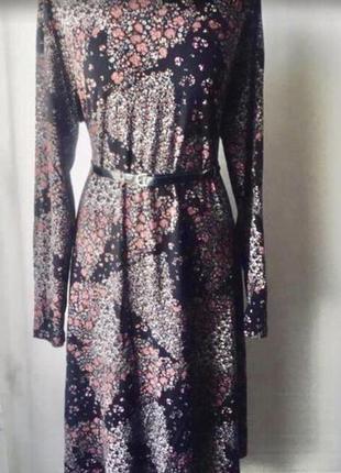 Элегантное платье в цветочный принт