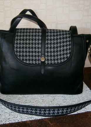 Большая. красивая сумка для деловой женщины. carpisa