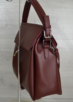 Бордовая молодежная сумка через плечо в форме саквояжа средняя вместительная3