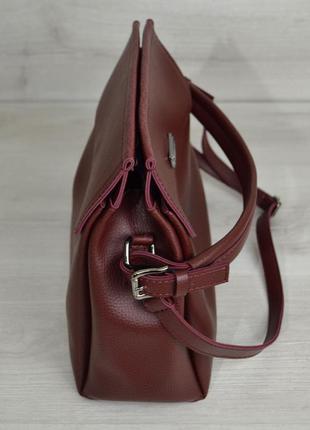 Бордовая молодежная сумка через плечо в форме саквояжа средняя вместительная4
