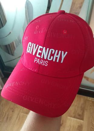 Кепка givenchy