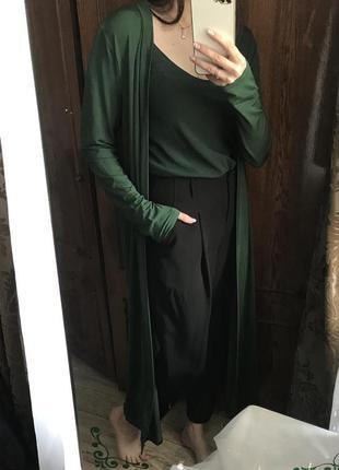 Кофта накидка изумрудного зелёного цвета с майкой шифон
