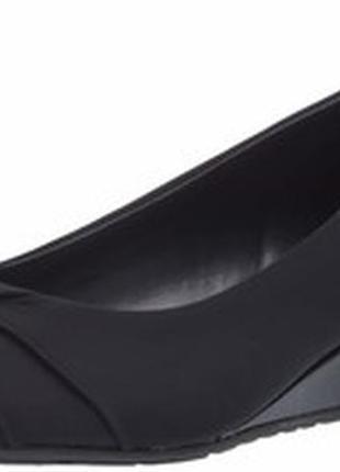 Стильные классические балетки туфли на танкетке bandolino us8,5 eu39