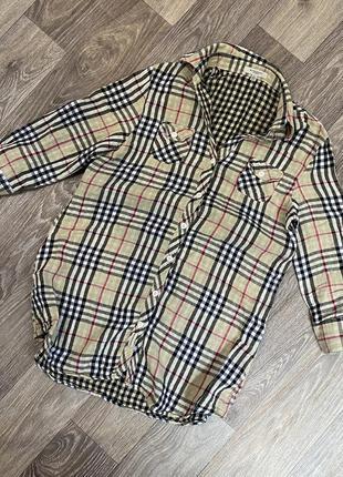 Женская стильная удлиненная рубашка burberry с коротким рукавом в клетку