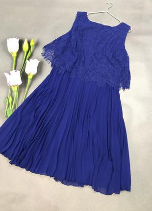Нарядное платье с юбкой в складку