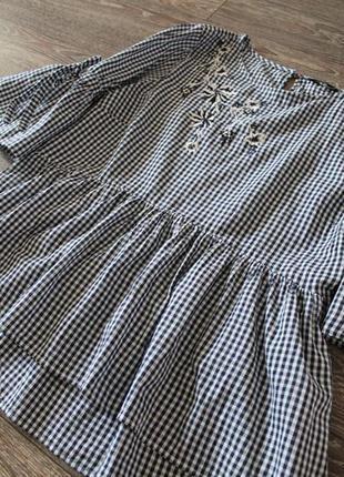 Красивая блуза модного кроя с вишивкой george