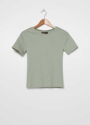 Универсальная хлопковая футболка красивого фисташкового цвета
