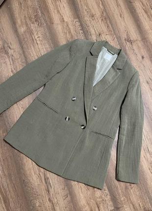 Пиджак, жакет, двубортный, посадка свободная, овер сайз, цвет оливковый, на размер s,m,l, ткань немного жатая, скидка