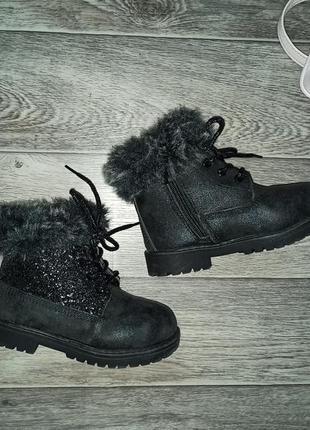 Черные ботинки на меху 28 размера, стелька 17 см