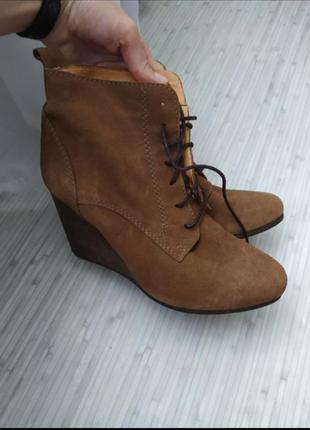 Женские ботинки на платформе 40р