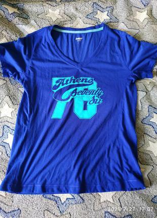 Крутая футболка с v- образным вырезом, качество супер