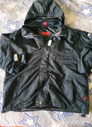 Ветровка,куртка,со светоотражателями,в идеальном состоянии, размер