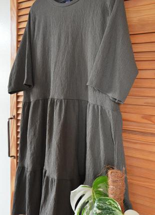 Платье с воланами цвета хаки primark mango zara