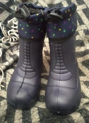 Резиновые сапоги легкие мягкие удобные практичные в носке  есть съёмный валенок длина внутренней стельки 14-19 см