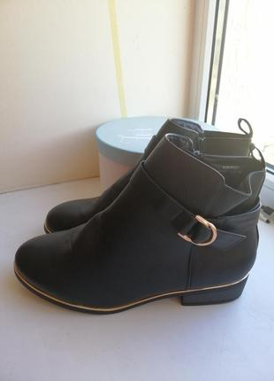 Ботинки 40-41р