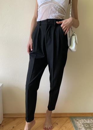 Брюки черного цвета с высоким поясом/ класичні  штани зі стілками s