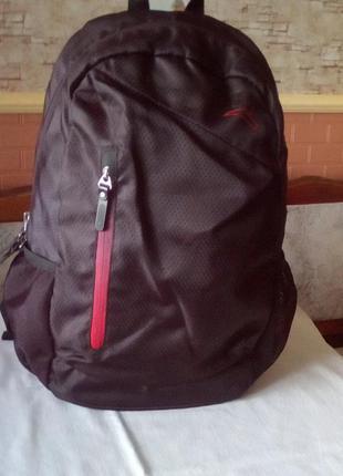 Рюкзак новы́й.
