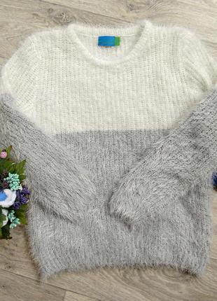 Скидка!!!очень теплый и стильный свитер