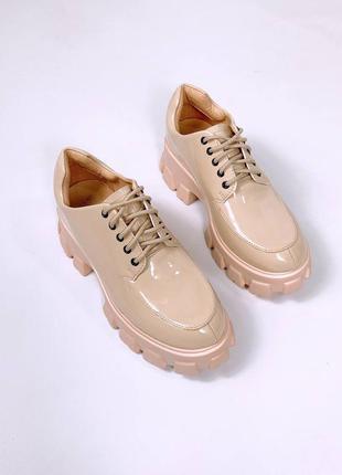 Женские туфли, лаковые туфли, бежевые туфли