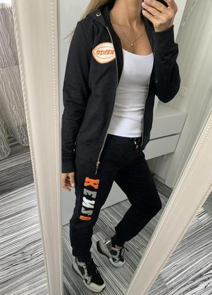 Стильный женский чёрный прогулочный спортивный костюм