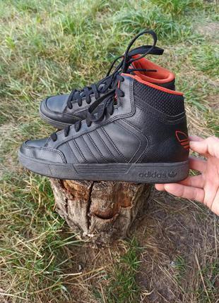 Кеды ботинки кеди кроссовки кросівки adidas 40 р оригінал