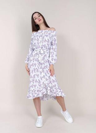 Платье белое с открытыми плечами на пуговицах в лиловый цветочный принт