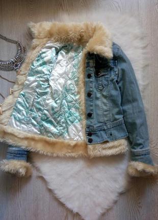 Двухсторонняя джинсовая куртка со сьемным светлым мехом шерпа светлая голубая