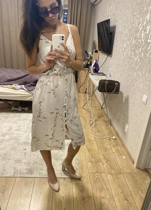 Платье очень красивое, возможен торг