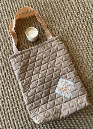 Don.bacon сумка из стёганной ткани на синтепоне светлого бежевого цвета с рисунком кофе
