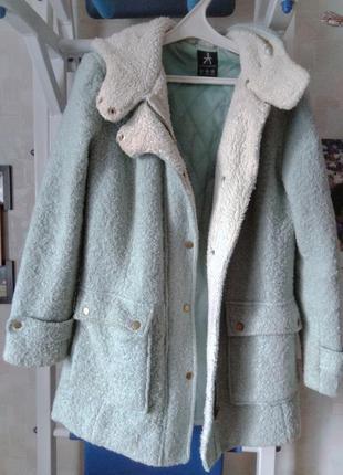 Мятное пальто atmosphere
