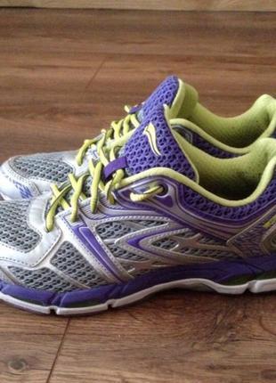 Asics new pro невесомые кроссовки 39 размера.