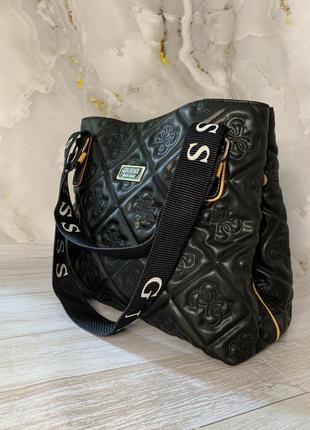Крутая сумка в стиле guess
