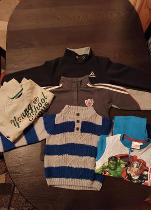 Комплект одягу на хлопчика