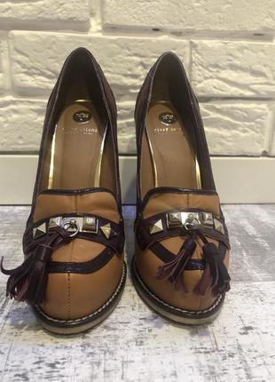 Туфли на каблуке river island