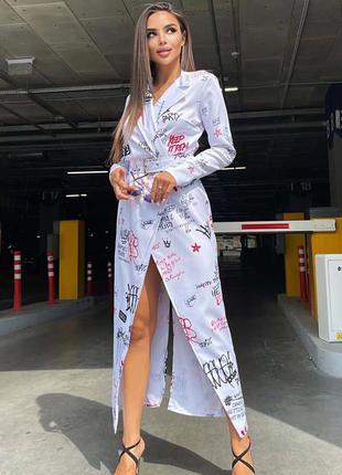 Стильное платье-блейзер на запах с поясом двубортного кроя в принт тату