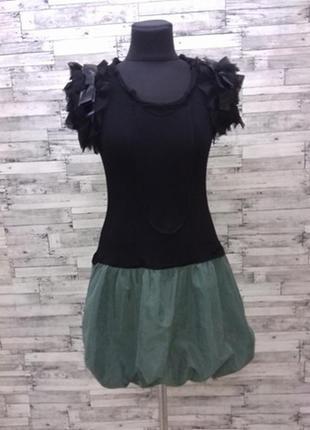 Молодежное платье с юбкой бочонком