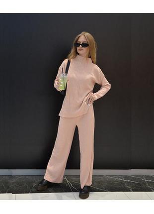 Женский костюм zara розовый-пудровый oversize (оверсайз) трикотажный в рубчик кофта и штаны в полоску